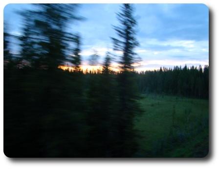 från ett nattåg någonstans i Norrland