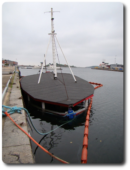 Glassbåten har sjunkit till botten