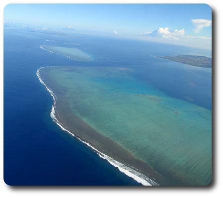 När man flyger är man... (som här ovanför Fiji)