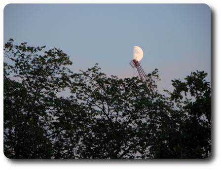 plockar ner månen