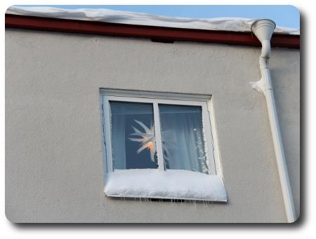 Luleåfeeling i ett fönster mitt emot